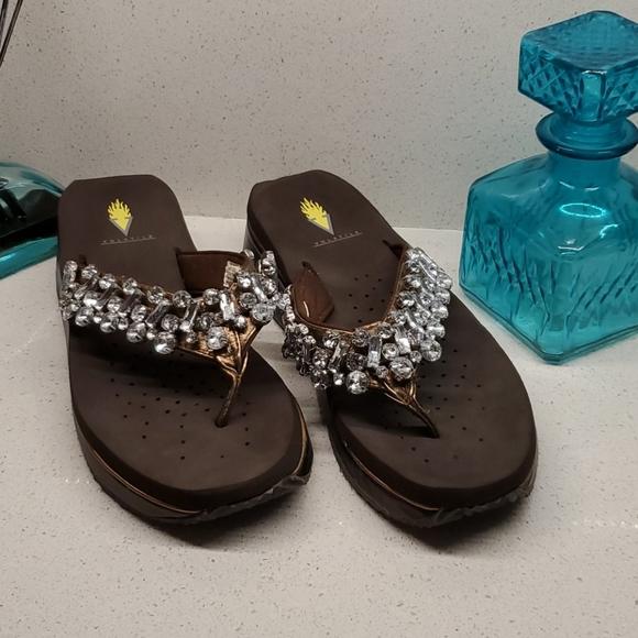 VOLATILE crystaled sandals (sz 8)